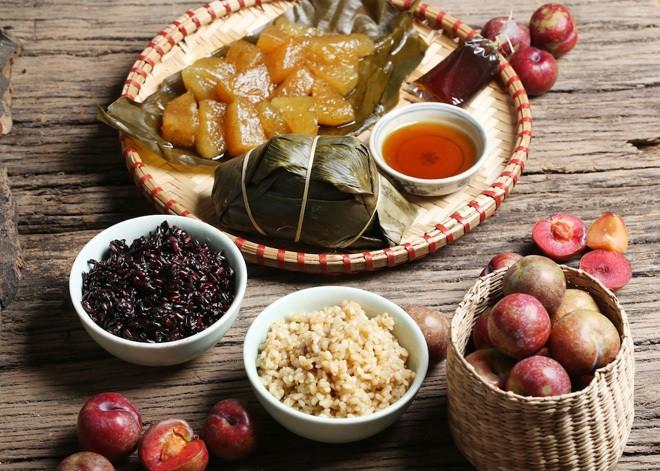 Gợi ý địa điểm mua bánh ú tro tại Hà Nội trong dịp Tết Đoan Ngọ - Ảnh 1.