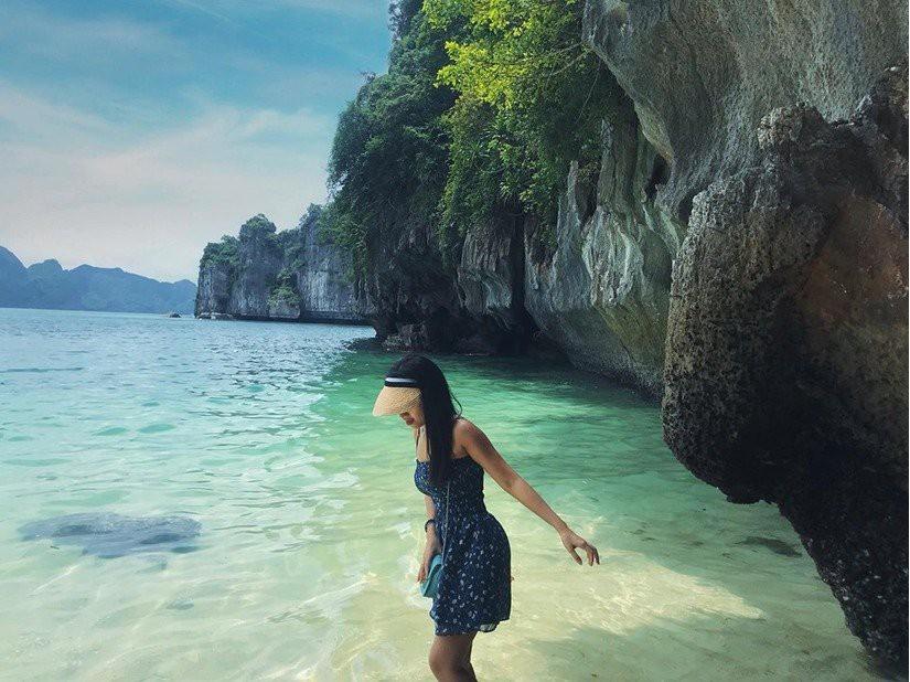 Kinh nghiệm du lịch vịnh Lan Hạ - biển xanh cát trắng ngay gần Hà Nội - Ảnh 7.