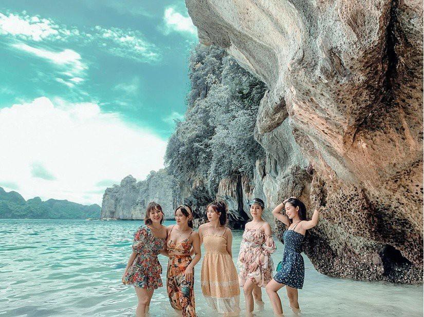Kinh nghiệm du lịch vịnh Lan Hạ - biển xanh cát trắng ngay gần Hà Nội - Ảnh 9.