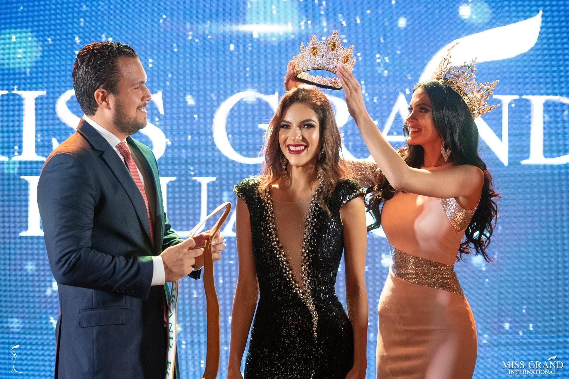 Nhan sắc rực rỡ của Hoa hậu Hòa bình Ecuador 2019  - Ảnh 1.