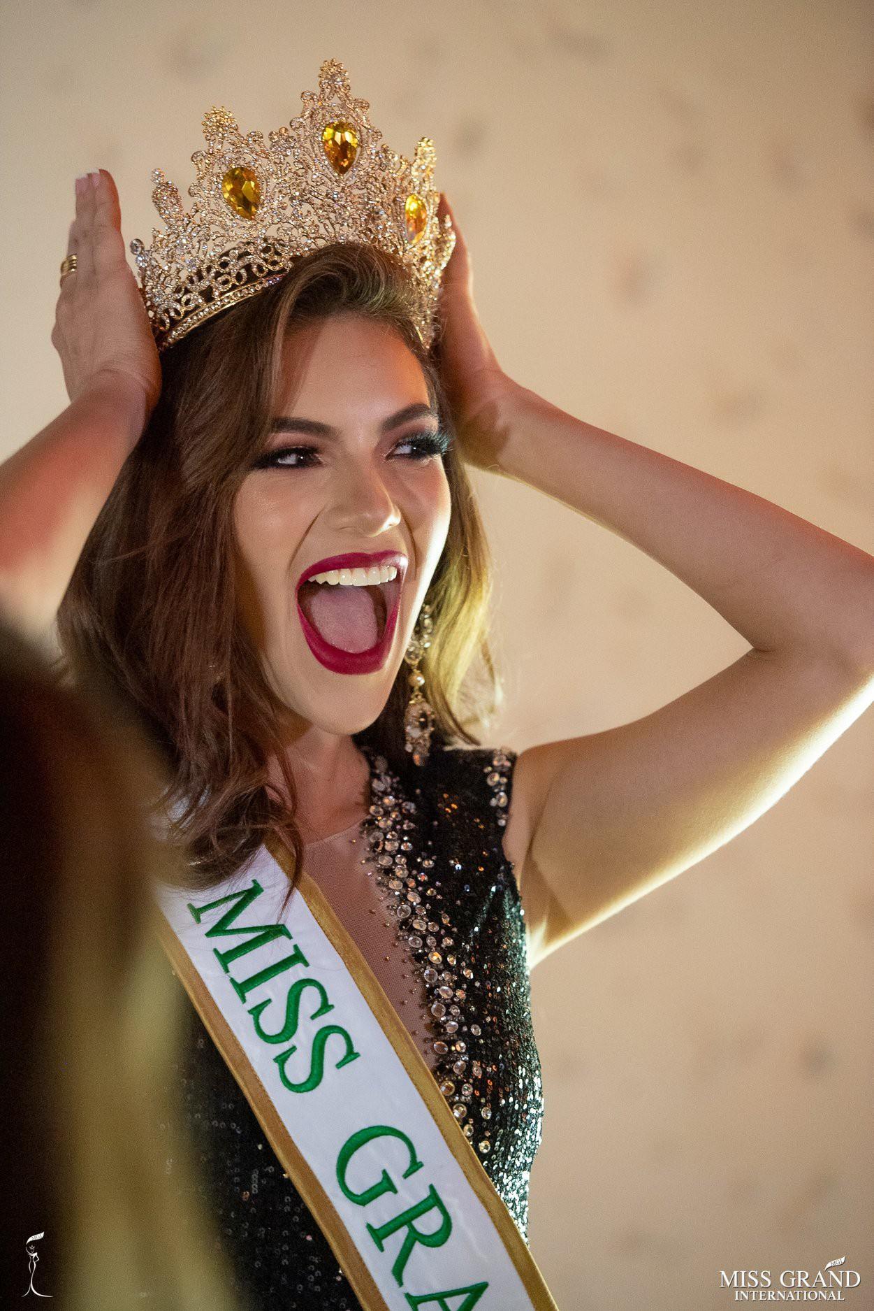 Nhan sắc rực rỡ của Hoa hậu Hòa bình Ecuador 2019  - Ảnh 6.