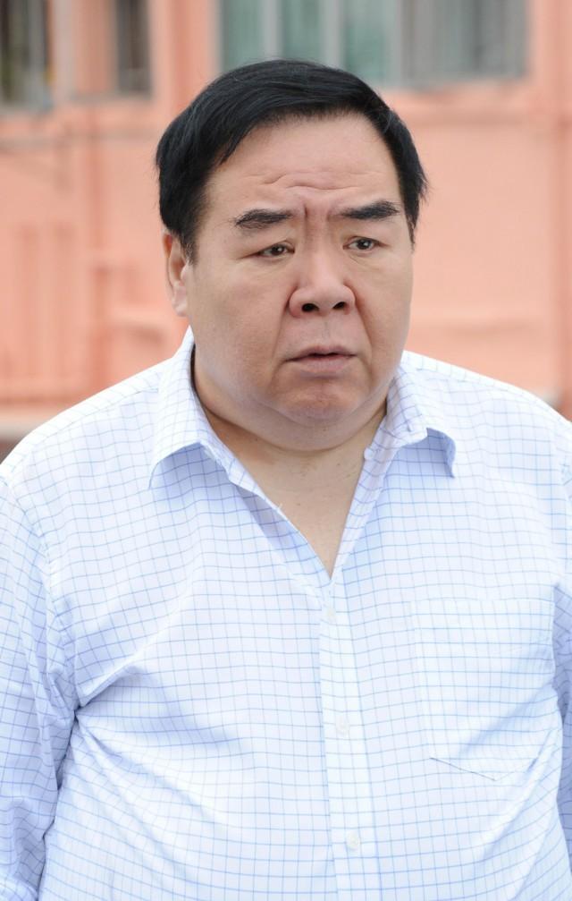 Chàng mập TVB Trịnh Tắc Sĩ: Lao đao vì nợ nần, bị bạn thân trở mặt và vết chàm đóng phim cấp 3 để trả nợ - Ảnh 1.