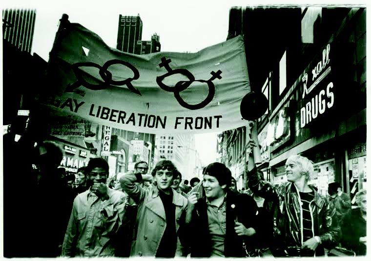 17 bức ảnh lịch sử về hành trình thay đổi của cộng đồng LGBT tại Mỹ - Ảnh 1.