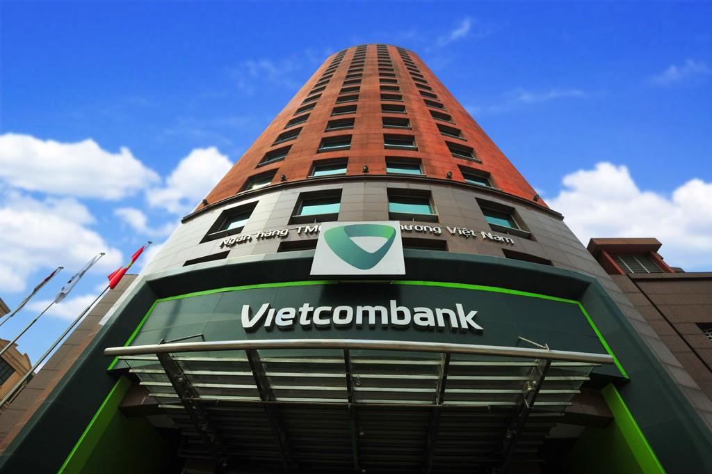 Vietcombank soán ngôi Vinamilk, đứng đầu danh sách 50 công ty niêm yết tốt nhất Việt Nam  - Ảnh 2.