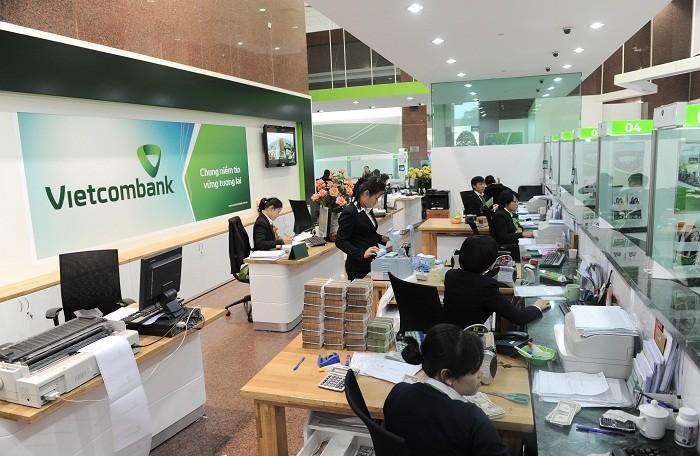 Vietcombank lên tiếng vụ tiền trong TK khách hàng bỗng dưng 'bốc hơi': Nếu đó là các giao dịch giả mạo, sẽ hoàn tiền cho khách - Ảnh 1.