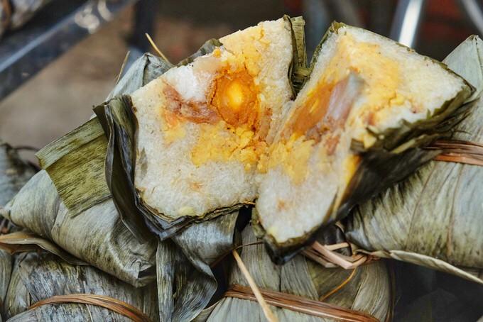 Bánh ú bá trạng - tinh hoa ẩm thực người Hoa vào dịp Tết Đoan Ngọ  - Ảnh 1.
