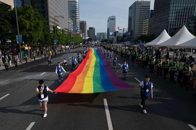 Tháng Tự hào LGBT 2019: Những hình ảnh ấn tượng trên thế giới - Ảnh 7.