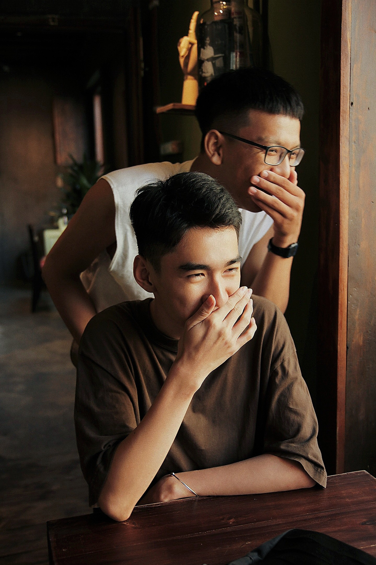 Bộ ảnh rất tình của cặp LGBT điển trai khiến cộng đồng mạng thổn thức - Ảnh 2.