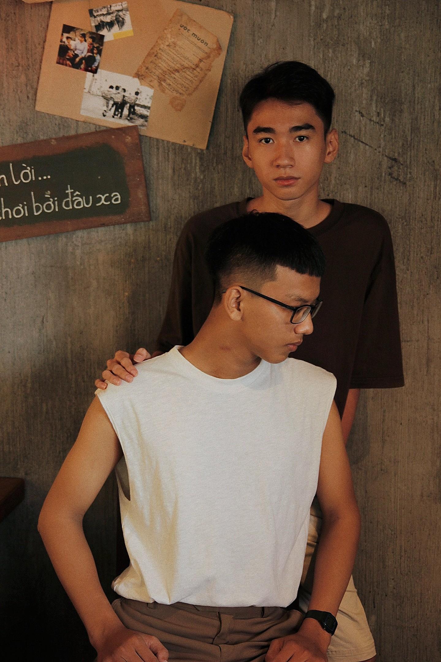 Bộ ảnh rất tình của cặp LGBT điển trai khiến cộng đồng mạng thổn thức - Ảnh 5.