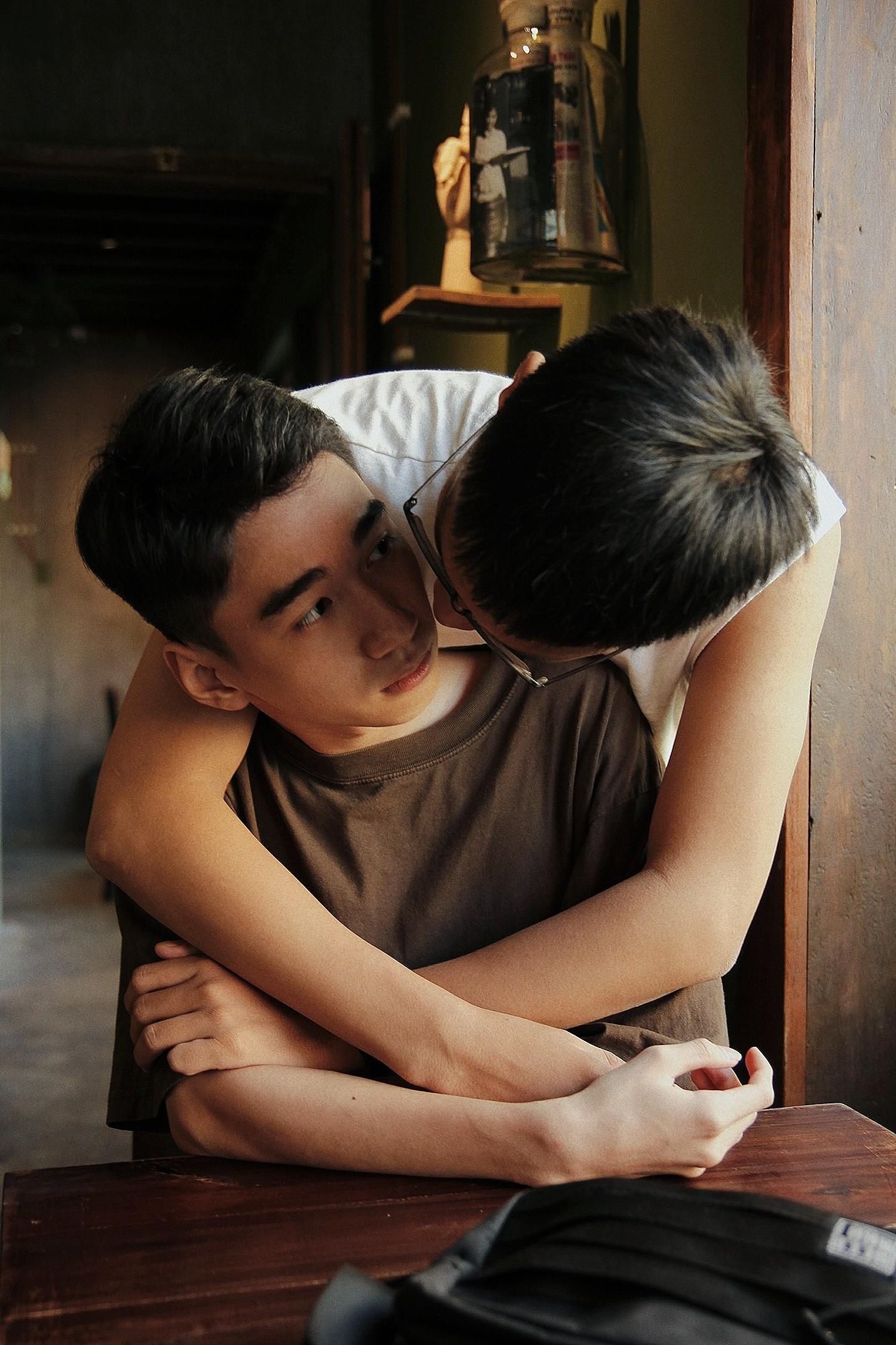 Bộ ảnh rất tình của cặp LGBT điển trai khiến cộng đồng mạng thổn thức - Ảnh 8.