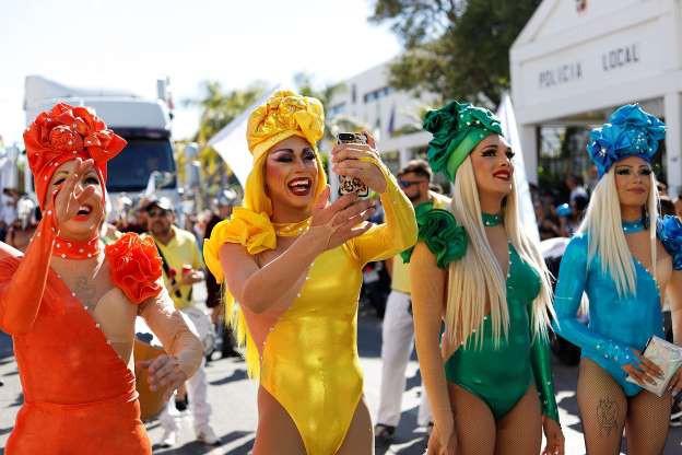 Tháng Tự hào LGBT 2019: Những hình ảnh ấn tượng trên thế giới - Ảnh 9.