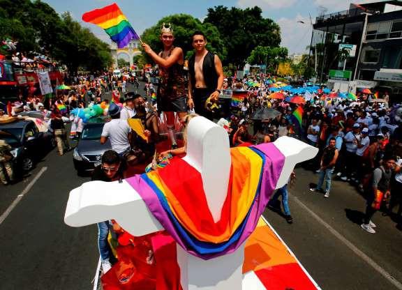 Tháng Tự hào LGBT 2019: Những hình ảnh ấn tượng trên thế giới - Ảnh 14.