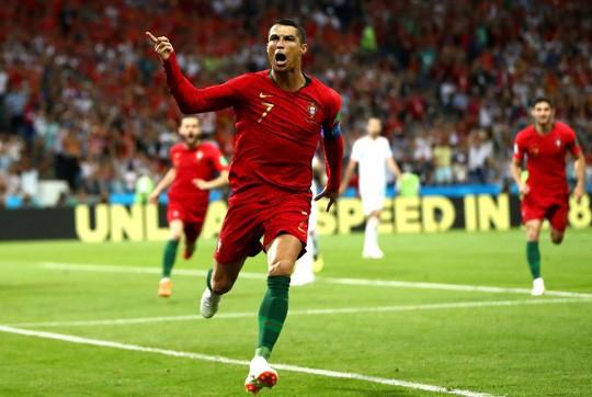 Ronaldo tái xuất hâm nóng Nations League - Ảnh 1.