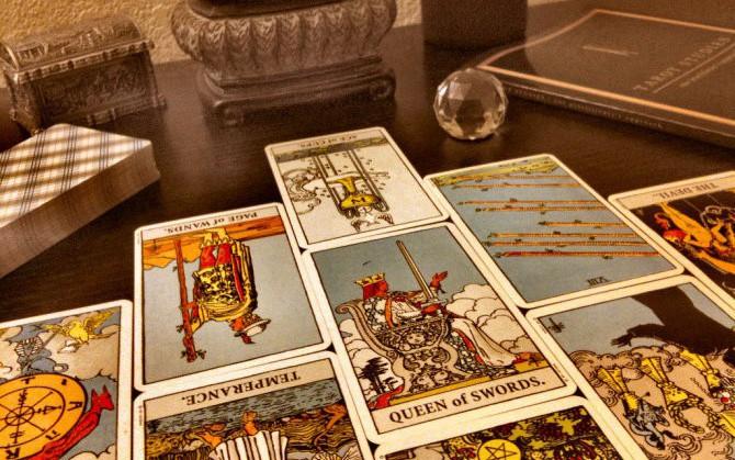 Tử vi hôm nay (06/6) qua lá bài Tarot: Gặp biến, đừng hoảng loạn!