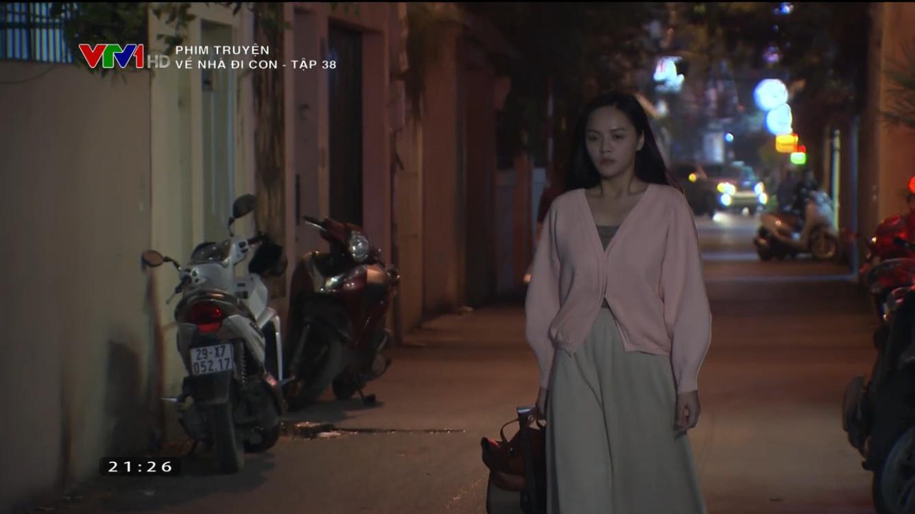 Về nhà đi con tập 38: Huệ bị vợ Thành tìm đến tận quán ăn dằn mặt, suýt bị chồng cưỡng hiếp lần 2 và gặp tai nạn khi bỏ nhà đi - Ảnh 15.