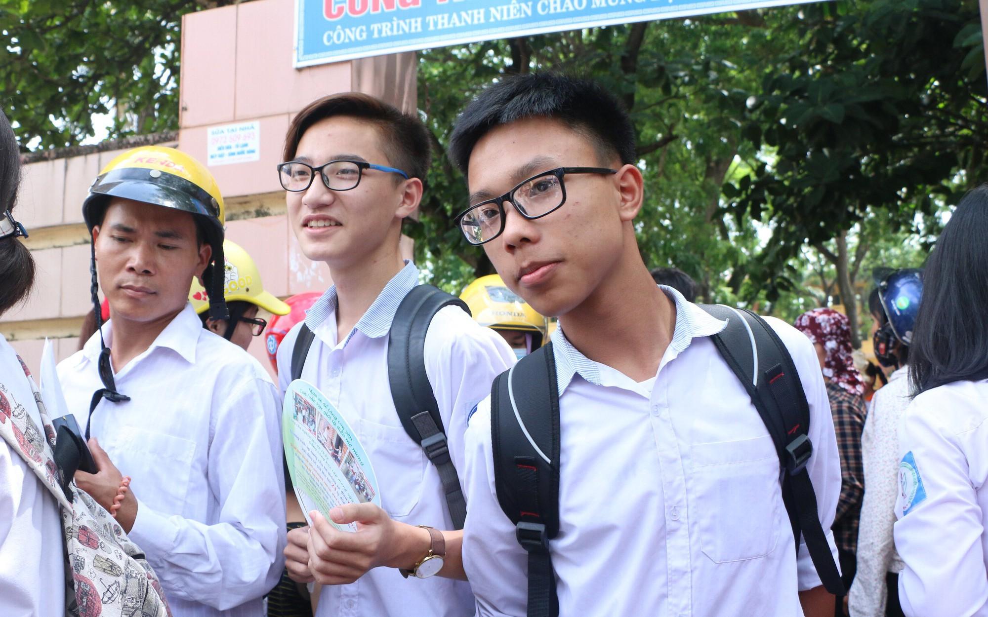 Đáp án đề thi vào lớp 10 tổ hợp môn Tiếng Anh, Lịch sử và Hóa học tỉnh Nghệ An năm 2019