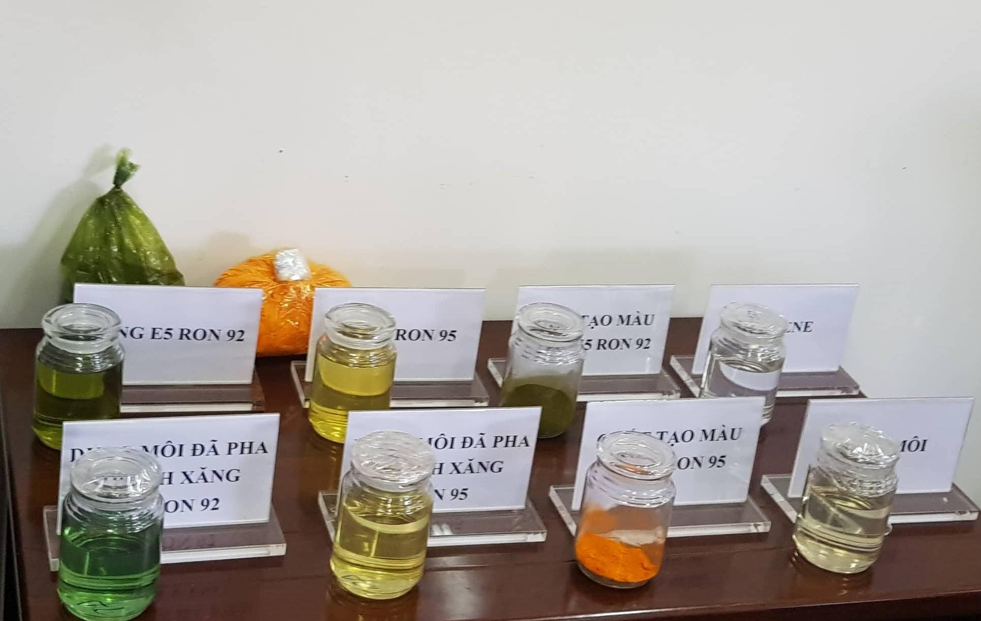 Đường dây xăng giả đại gia Trịnh Sướng: Chi 3.000 tỉ đồng mua hóa chất, tung ra thị trường 6 triệu lít xăng giả mỗi tháng - Ảnh 3.