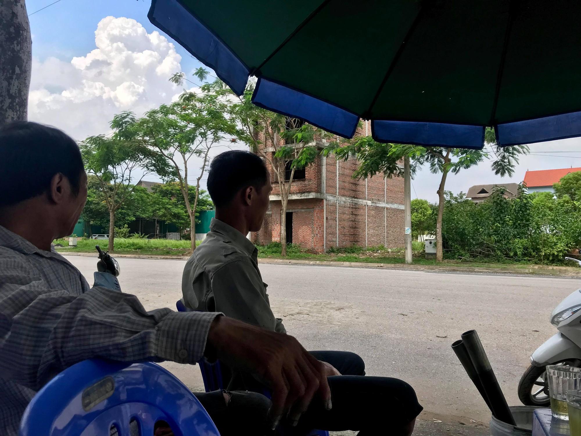 Dự án 900 tỉ đồng tại Mê Linh trở thành nơi chăn nuôi dê - Ảnh 13.