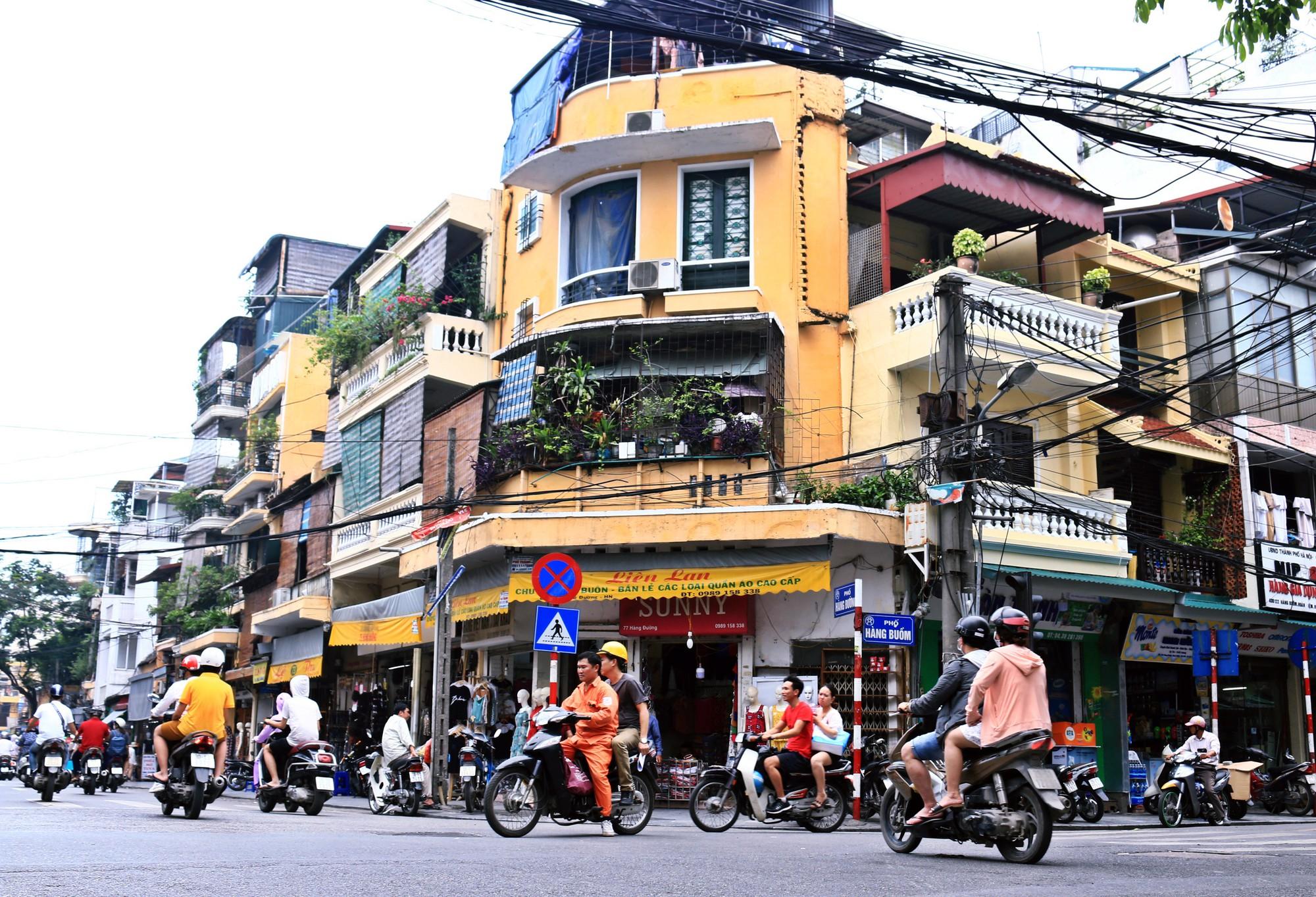 Hà Nội: Chỉnh trang nhiều ngôi nhà trên phố cổ để hút du khách - Ảnh 10.