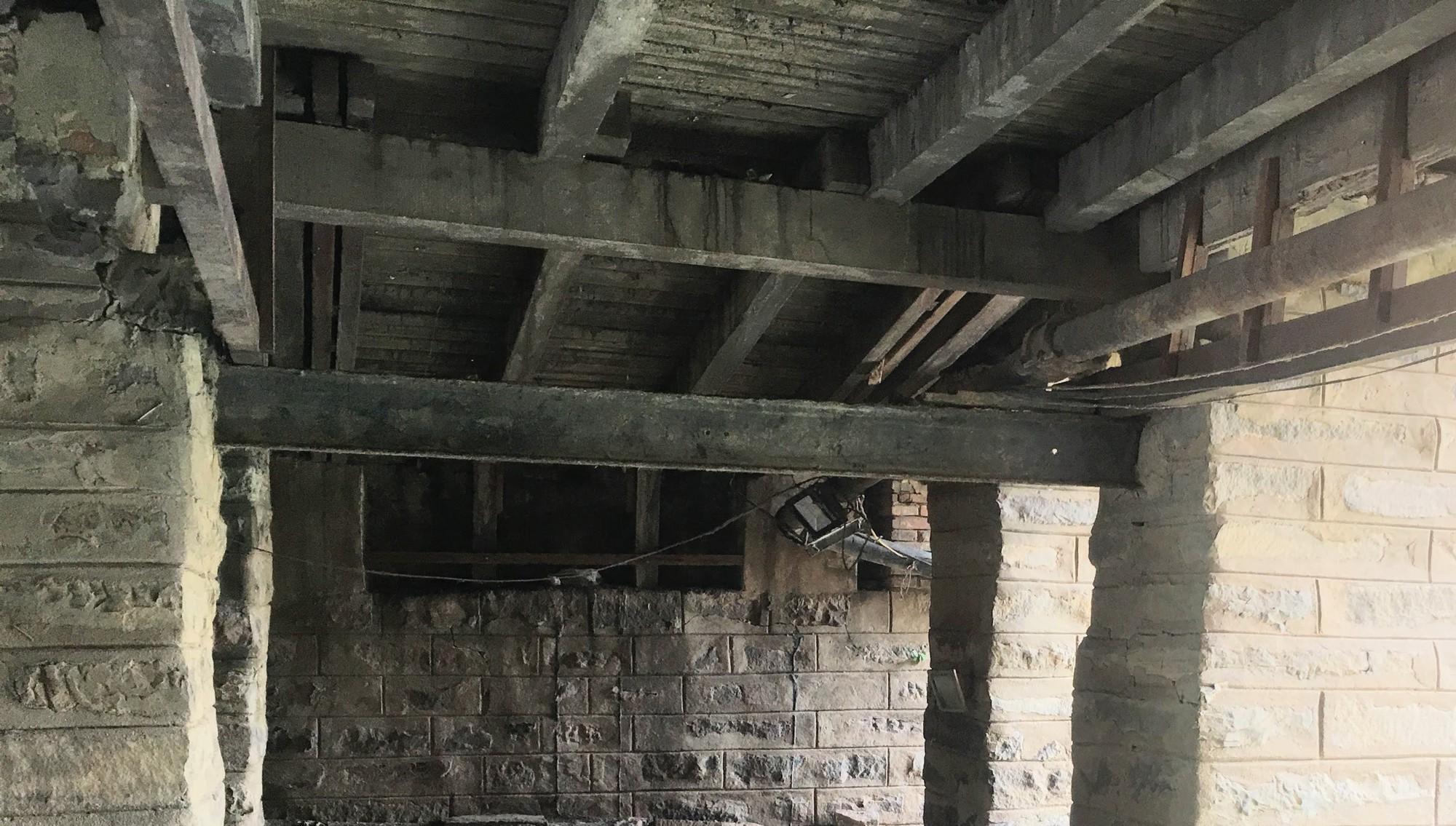 Khách du lịch nín thở vì nước thải, ô nhiễm ở Chùa Cầu Hội An - Ảnh 3.