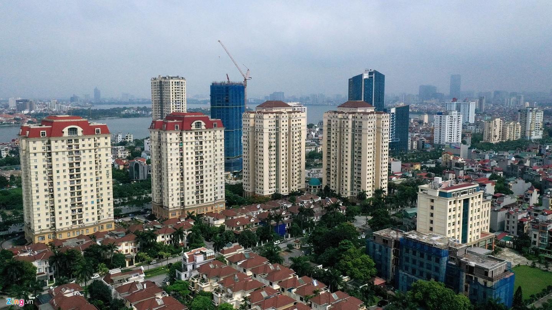 Rừng chung cư dọc tuyến đường ngoại giao ra sân bay Nội Bài - Ảnh 9.