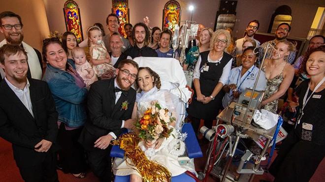 Lễ cưới trên giường bệnh của người vợ ung thư giai đoạn cuối - Ảnh 2.