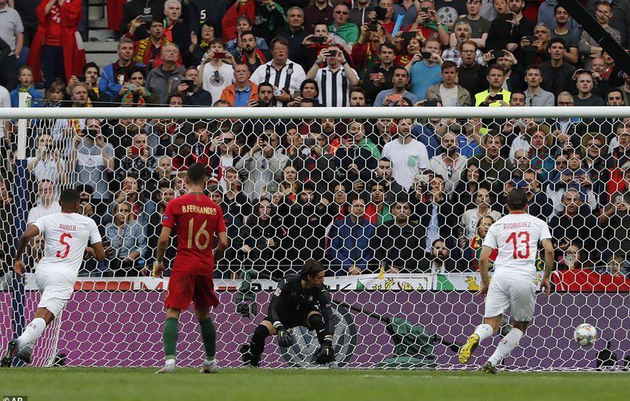Ronaldo lập hat-trick, Bồ Đào Nha vào chung kết Nations League - Ảnh 3.