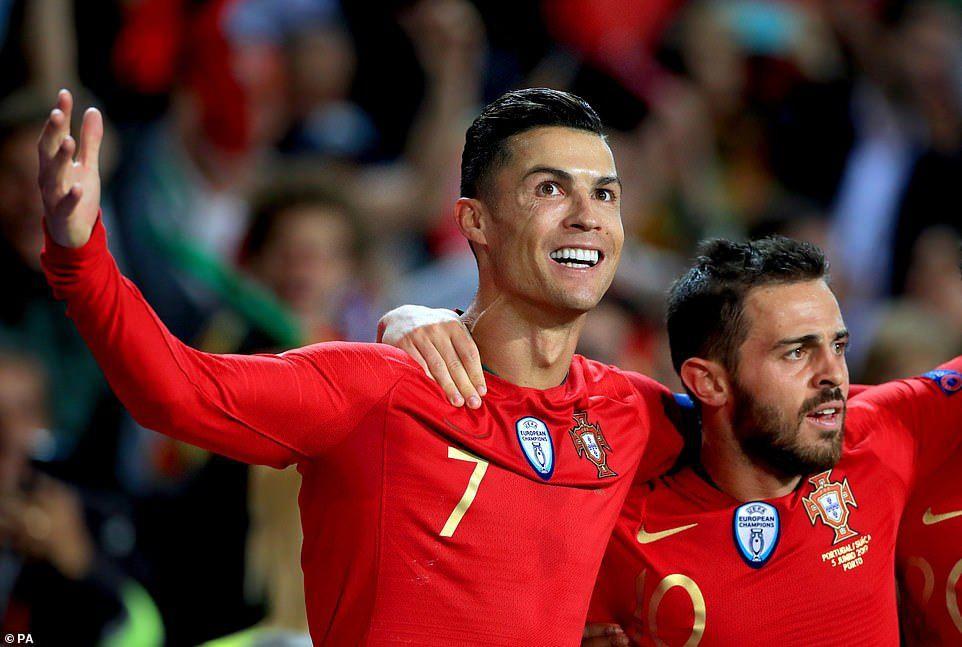 Ronaldo lập hat-trick, Bồ Đào Nha vào chung kết Nations League - Ảnh 9.