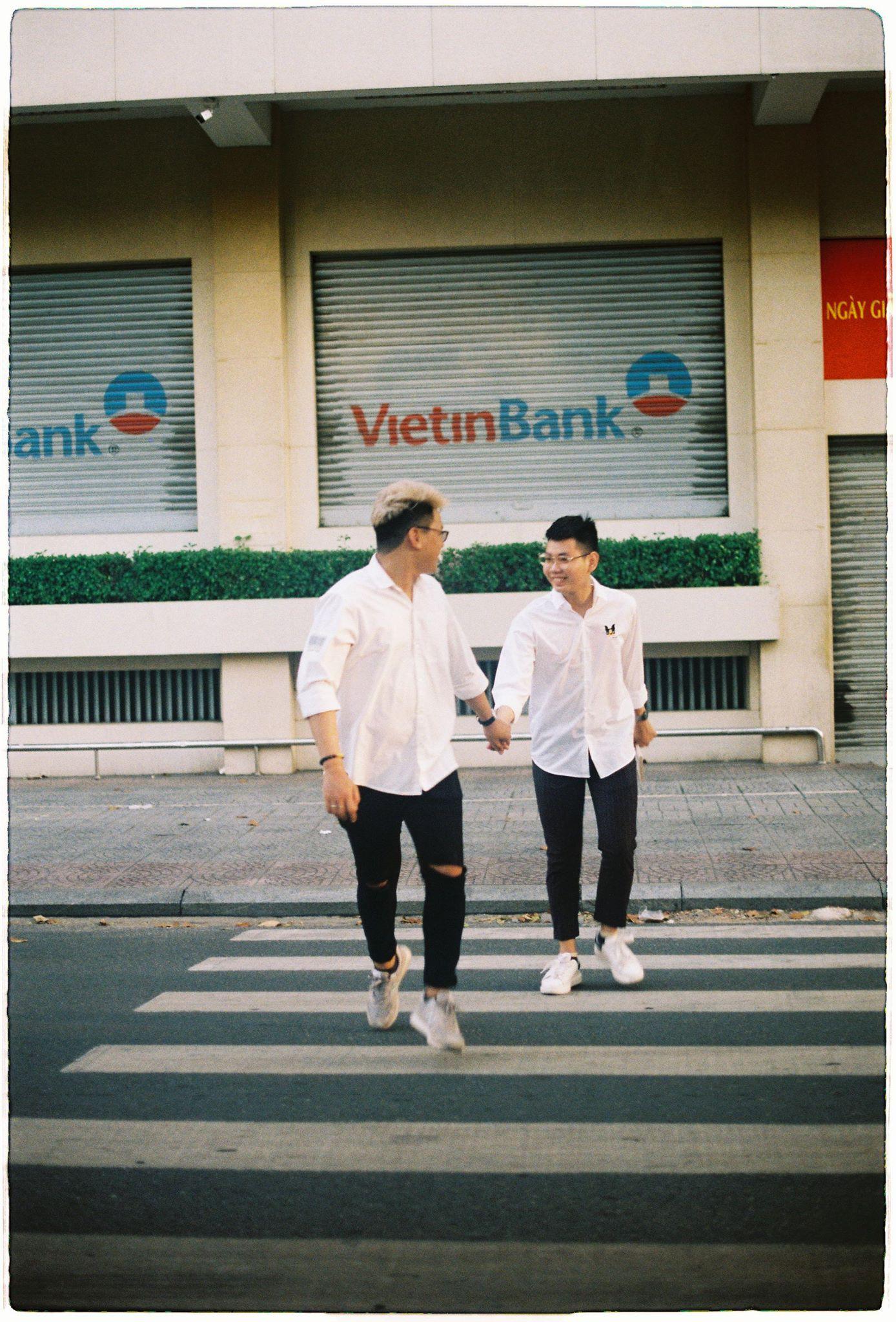 Chuyện tình cặp đồng tính nam: Tình yêu sét đánh trong lần gặp nhau đầu tiên - Ảnh 8.