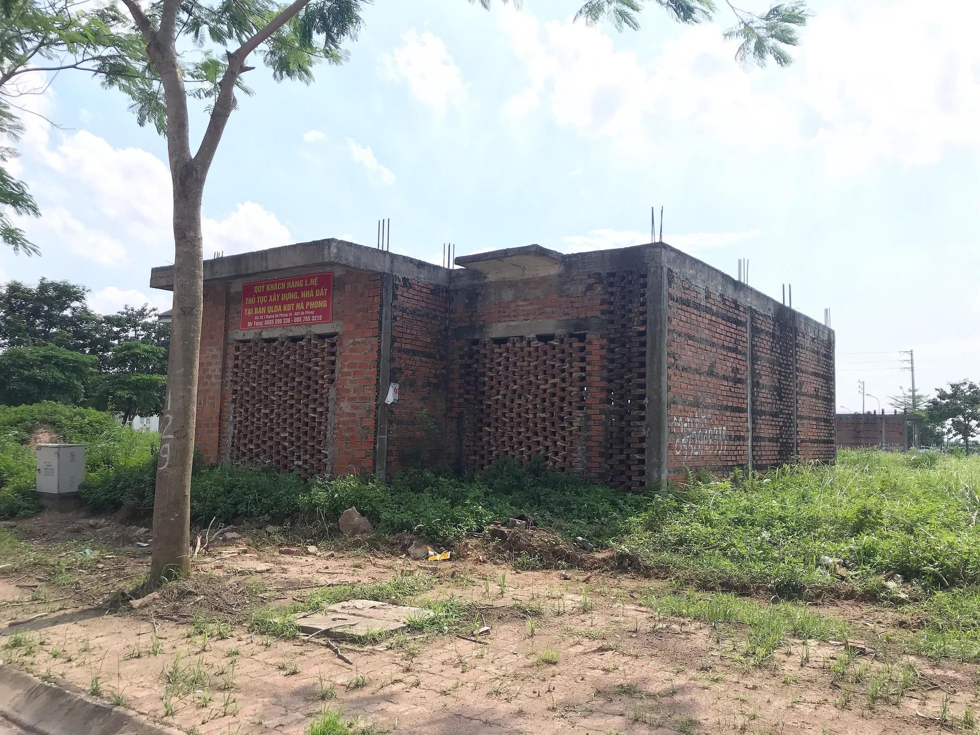Dự án 900 tỉ đồng tại Mê Linh trở thành nơi chăn nuôi dê - Ảnh 15.