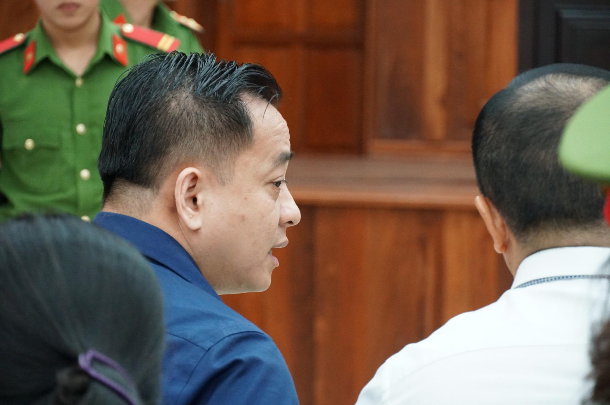 Vũ nhôm tươi cười dù kêu oan bất thành trong đại án 3.600 tỉ ở ngân hàng Đông Á - Ảnh 2.