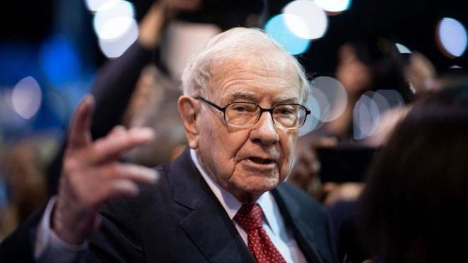 Tỉ phú Warren Buffett bị đôi vợ chồng đa cấp lừa 340 triệu USD - Ảnh 1.