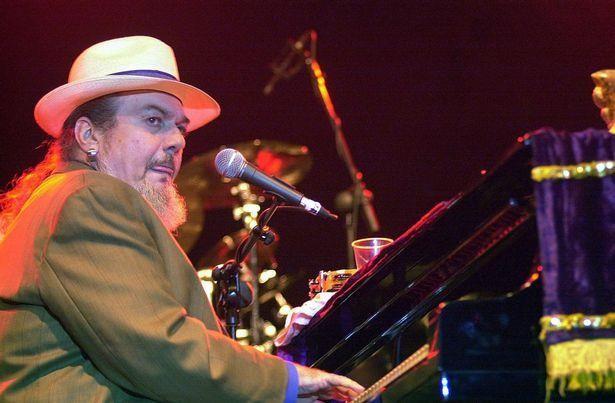 Nhạc sĩ 6 lần đoạt giải Grammy qua đời đột ngột sau cơn đau tim - Ảnh 1.