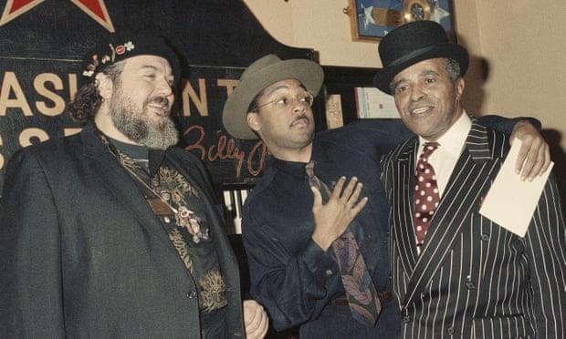 Nhạc sĩ 6 lần đoạt giải Grammy qua đời đột ngột sau cơn đau tim - Ảnh 2.