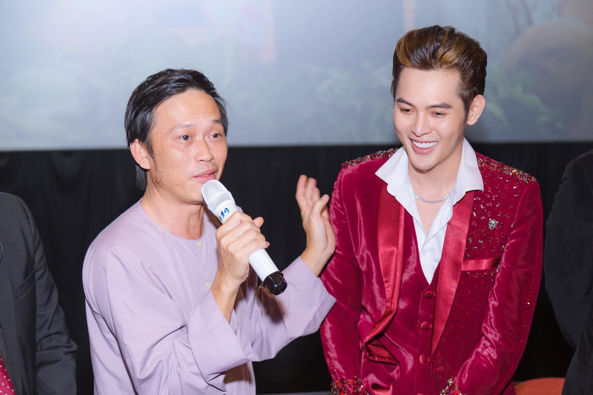 Đạo diễn Võ Thanh Hòa và Võ Đăng Khoa nói gì về việc mang hình ảnh LGBT miền Tây lên phim hài? - Ảnh 3.