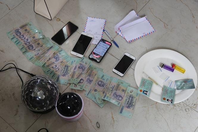 Cảnh sát thu giữ nhiều súng, đạn và ma túy của nhóm dân bay ở Vĩnh Phúc - Ảnh 2.