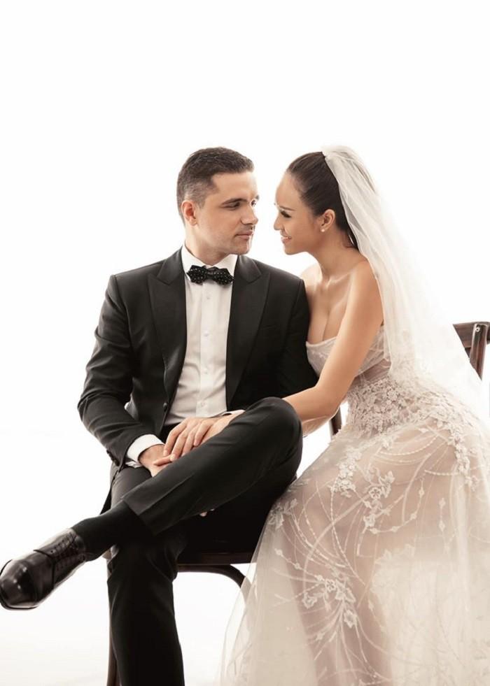 Ngắm ảnh cưới lãng mạn của MC Phương Mai cùng với chồng Tây  - Ảnh 3.