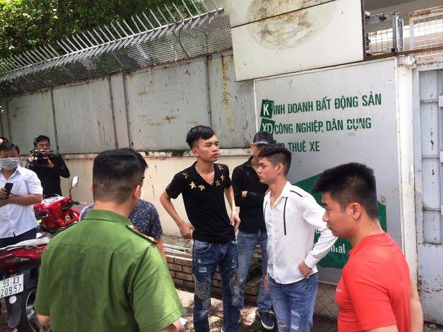 Khách hàng bị giang hồ dằn mặt vì tố Công ty Angel Lina bán đất nền lừa đảo - Ảnh 4.