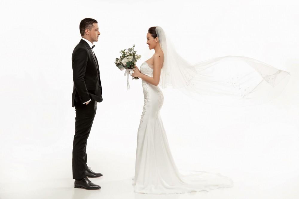 Ngắm ảnh cưới lãng mạn của MC Phương Mai cùng với chồng Tây  - Ảnh 4.