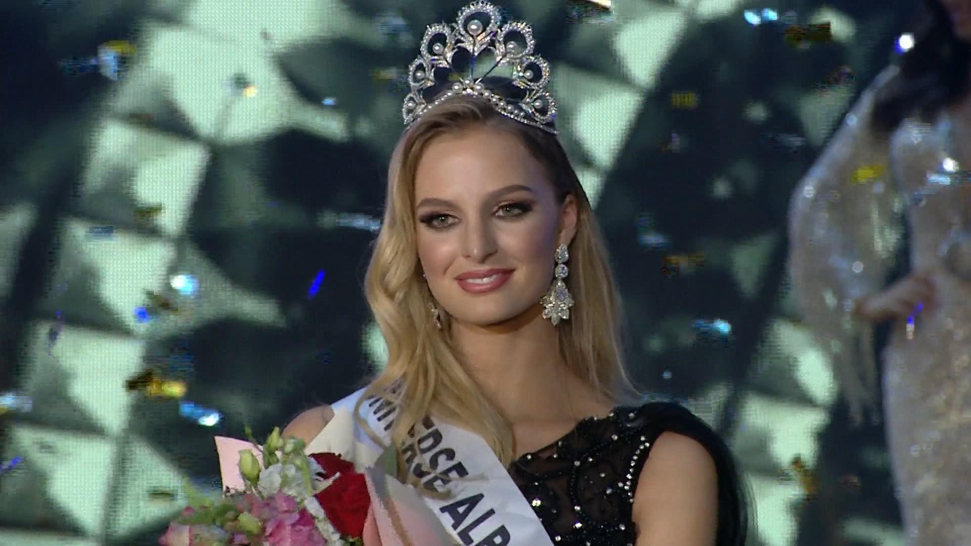 Hoa hậu Hoàn vũ Albania 2019 đẹp tuyệt trần, được ví như thiên thần Victorias Secret - Ảnh 1.