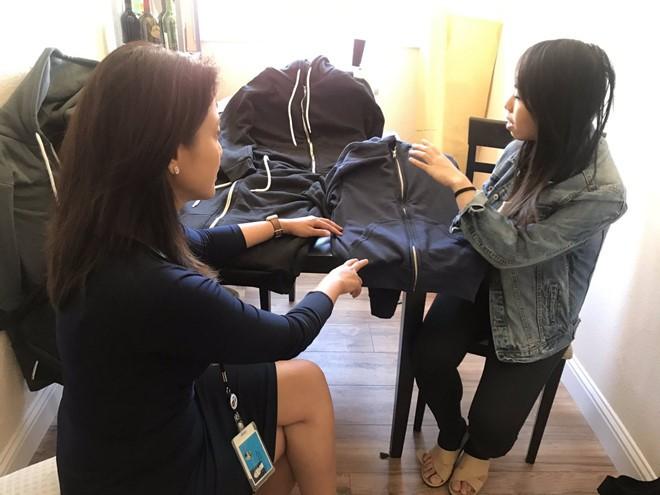 Cô gái gốc Việt chế tạo áo chống đạn - Ảnh 1.