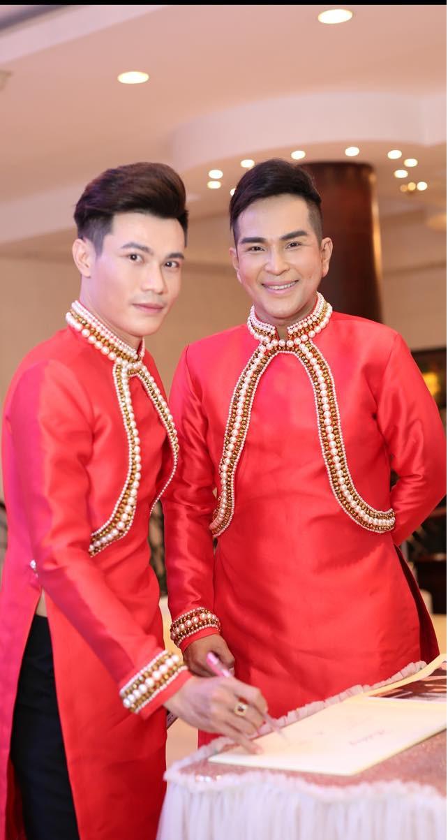 Đám cưới của cặp LGBT điển trai khiến cư dân mạng xôn xao: Hạnh phúc luôn là sự chân thành và chia sẻ  - Ảnh 4.