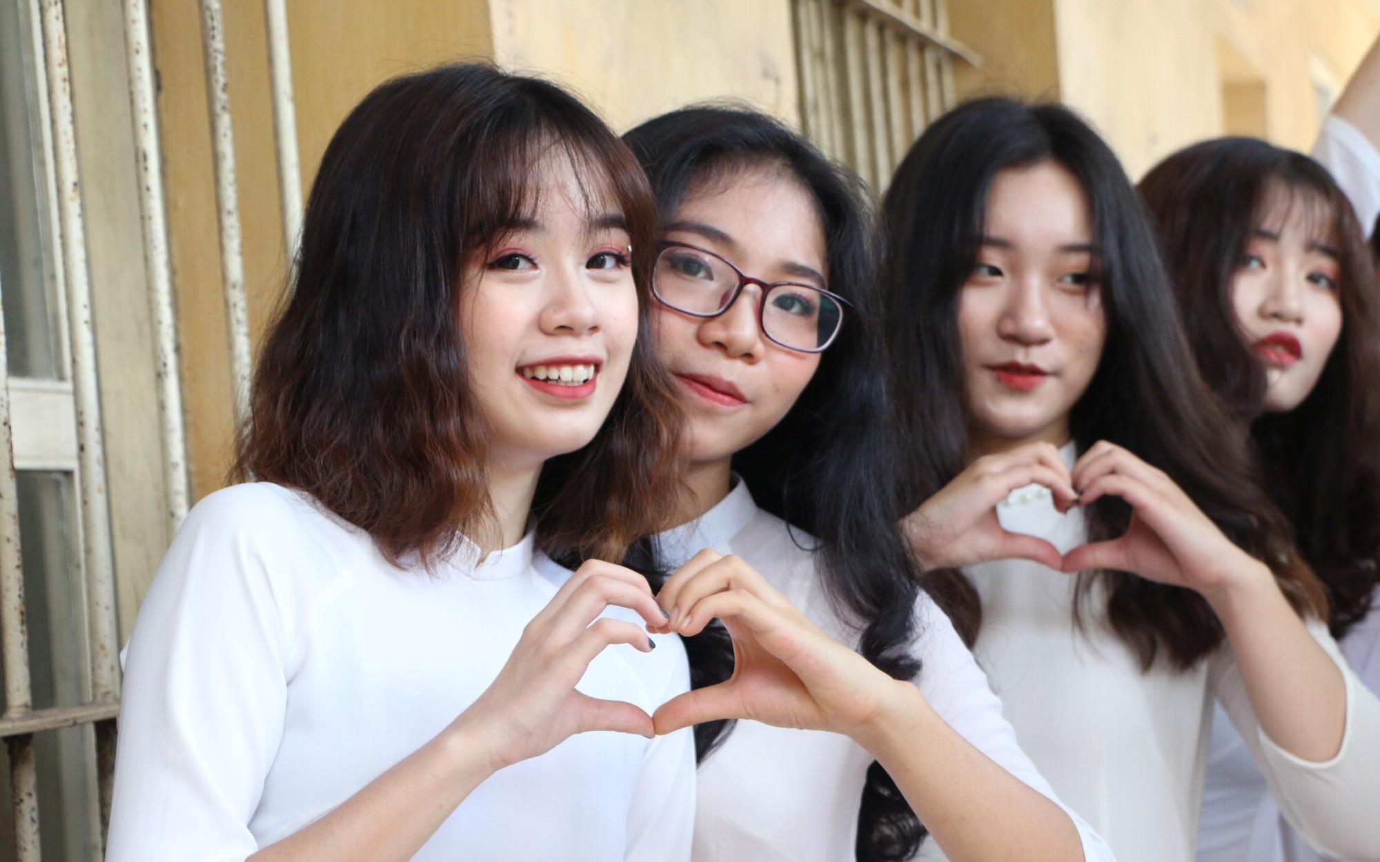 Đề thi thử THPT quốc gia 2019 môn Địa lí THPT Anh Sơn 1 lần 2
