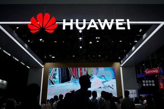 Châu Âu có thể tốn thêm 62 tỉ USD để phát triển 5G vì lệnh cấm Huawei - Ảnh 1.
