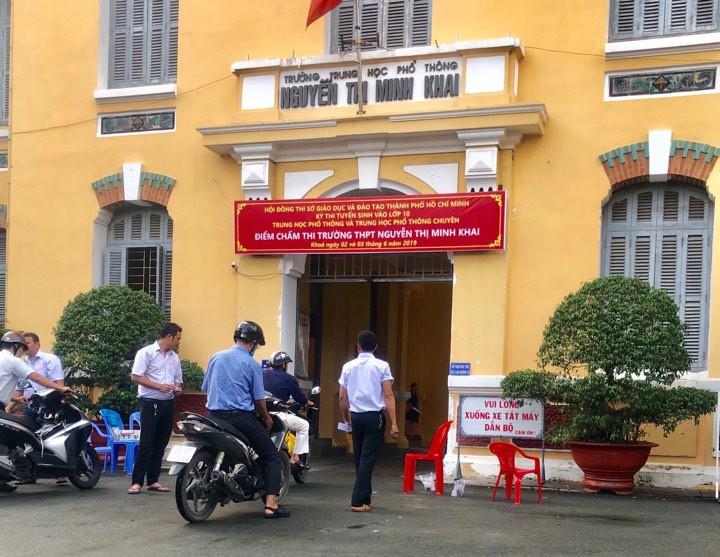 Chấm thi lớp 10 tại TP Hồ Chí Minh: Nhiều bài điểm 0 môn Toán, ít có bài điểm 10 - Ảnh 1.