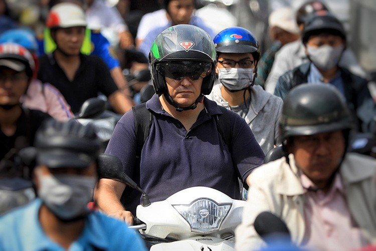 Khu Nam Sài Gòn kẹt xe nghiêm trọng, dự án giải cứu còn trên giấy - Ảnh 2.