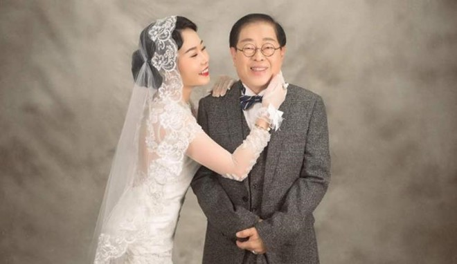 Nữ ca sĩ 9X Malaysia nghẹn ngào trong ngày cưới đại gia 71 tuổi - Ảnh 3.
