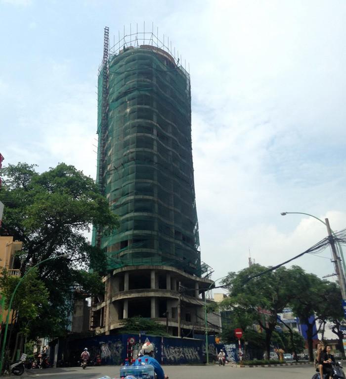 Tòa tháp ma hoang lạnh, ngàn tỉ đổ nát giữa Thủ đô - Ảnh 3.