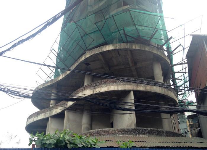 Tòa tháp ma hoang lạnh, ngàn tỉ đổ nát giữa Thủ đô - Ảnh 4.