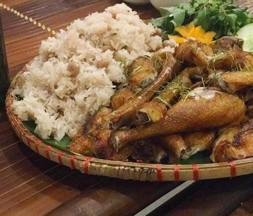 Quán ăn ngon trên đường từ Hà Nội đi làng Sen, Nghệ An - Ảnh 2.